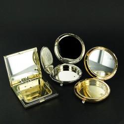 Poudriers en métal